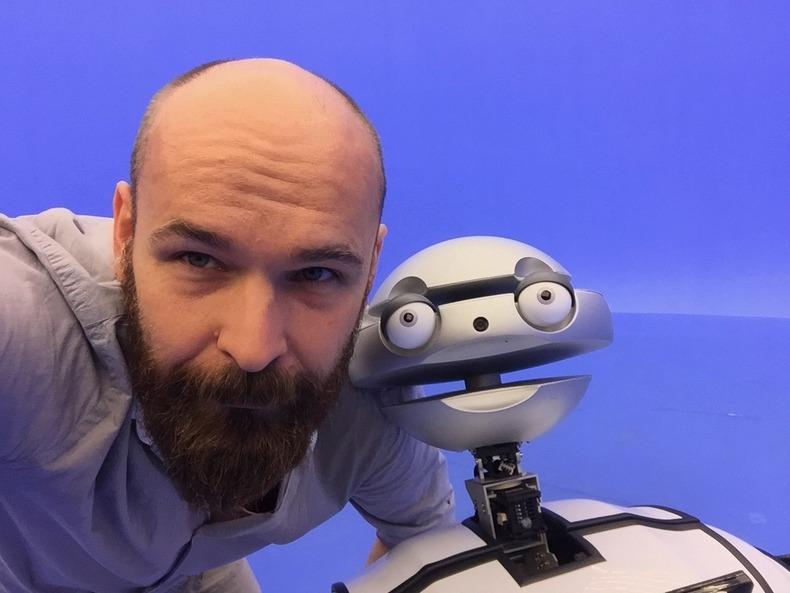 AKCJA-INTERAKCJA-ROBOT