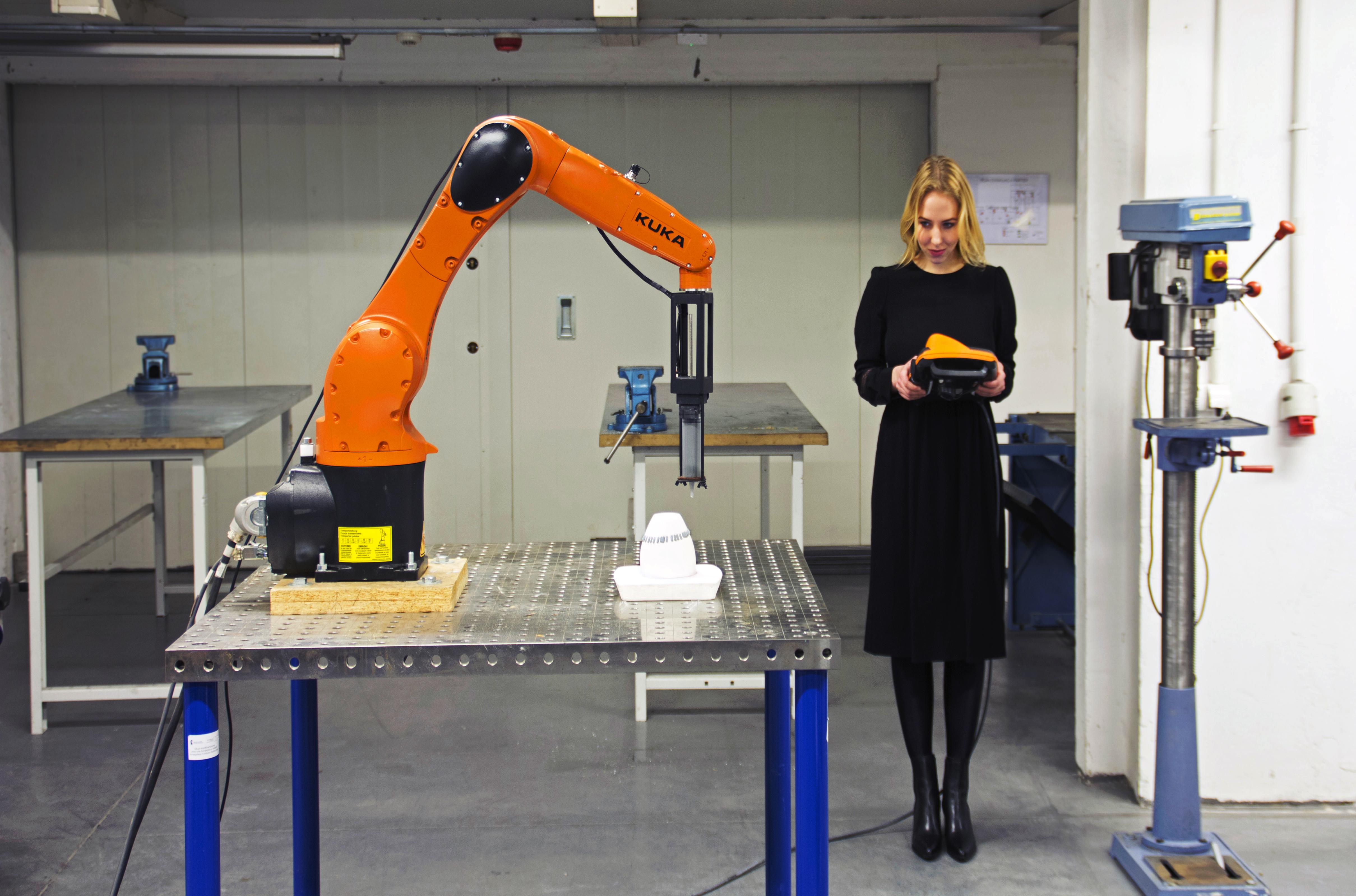 Ja, Robot! Instalacja w budynku biurowca Bałtyk